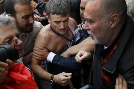 Air France sanciona a los trabajadores que agredieron a sus directivos
