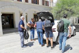 La jueza apunta al pago de comisiones de hasta el 3% a los responsables municipales de Sant Llorenç