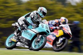 Kent, pese a tener el mejor crono en Moto3, pierde la posición por sanción