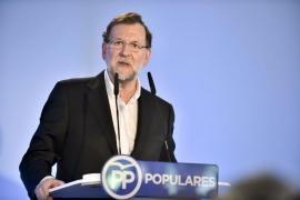 Rajoy avisa: «O seguimos avanzando o dejamos todo tirado»