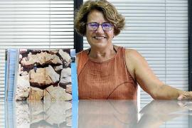 Antònia María Cirer presentó sus 'sargantanes' en Barcelona