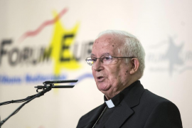 El cardenal Cañizares, herido leve en un accidente de tráfico en Valencia