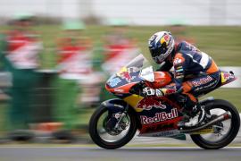 Oliveira frena el título de Kent en Moto3 al culminar su cuarta victoria de la temporada