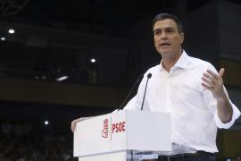 Sánchez presume de abrir el PSOE mientras en el PP «dimiten o se avergüenzan»