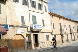 Una empresa familiar alemana restaura la casa natal del obispo Joan Perelló en Santa Maria