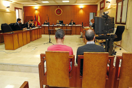 Una joven ratifica que fue violada en un bar de Cala d'Or por dos hombres