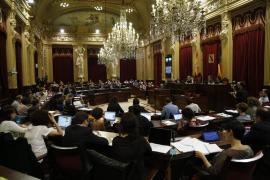 El Parlament rechaza pedir el cese de Fernández Terrés
