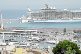 El crucero y el velero privado más grandes del mundo, en Palma
