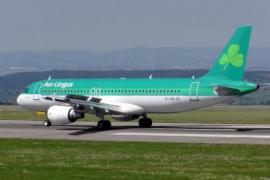 El pasajero que falleció tras morder a otro en un avión llevaba 80 bolas de cocaína en el estómago