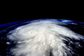 El huracán Patricia se interna en México, donde pierde fuerza