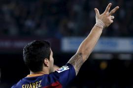 Tres goles de Luis Suárez dan la victoria al Barcelona