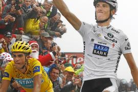 Contador regala la etapa reina a Schleck