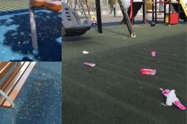 Suciedad en parque infantil