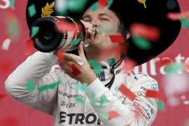 Rosberg gana en México y Alonso se retira en la primera vuelta