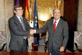 El personal de Son Espases tendrá la primera tarjeta sanitaria inteligente de España