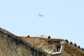 El Ajuntament se queja del exceso de ruido provocado por los aviones