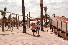 Alcúdia y la Autoritat Portuària aparcan sus rencillas  y reformarán el paseo marítimo