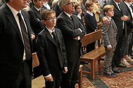 Multitudinario y emotivo funeral en memoria del empresario Antonio  Fluxà