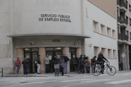 Balears lidera la subida del desempleo en octubre,  con 10.813 parados más