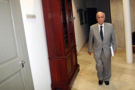 El expresidente del Consultiu hizo valer su rango para hacer el informe de Son Espases