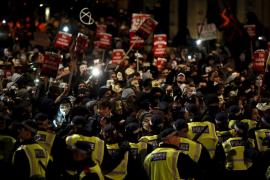 Altercados con la policía en la manifestación de Anonymous en Londres