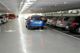 Cort subirá los abonos de los aparcamientos del centro