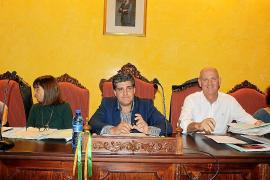 Rosselló se estrena como alcalde de Manacor en un pleno de puro trámite administrativo