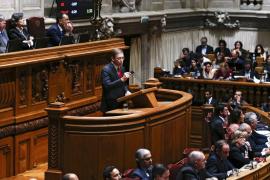La izquierda lusa tumba el gobierno de Passos Coelho