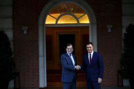 Sánchez pide a Rajoy una salida dialogada para Catalunya
