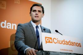 Rivera pide a PP y PSOE alternativas a su propuesta de eliminar el Senado