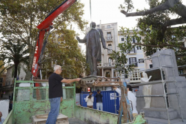 La estatua de Antoni Maura regresa a la plaça del Mercat
