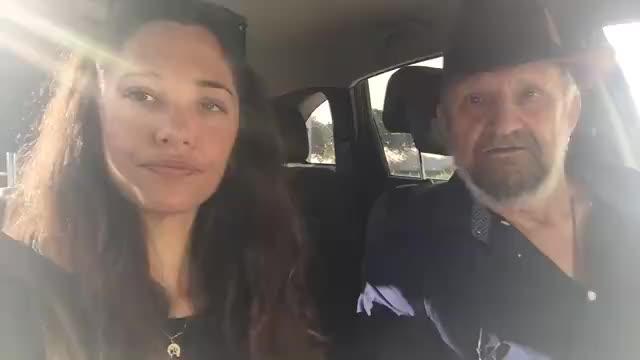 Tomeu Penya canta con su hija en un vídeo