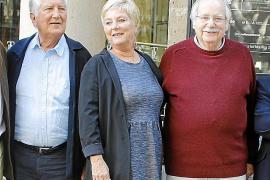 Una veintena de artistas homenajean a Els Valldemossa en el Principal