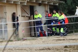 Una mujer resulta lesionada en la espalda al caer de un caballo en Andratx