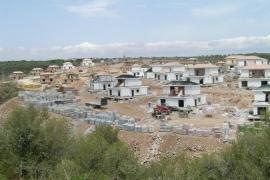 Solicitan 5 años de prisión al promotor que no acabó 189 chalets en Cala Romántica