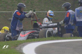 Mercedes vuelve a dominar y Alonso abandona la sesión de entrenamientos