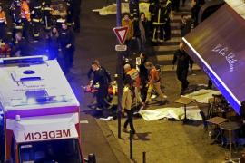 Hollande despliega al Ejército, ordena el Estado de urgencia y cierra las fronteras
