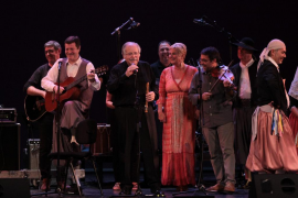 Emotivo y multitudinario homenaje a Els Valldemossa en el Principal