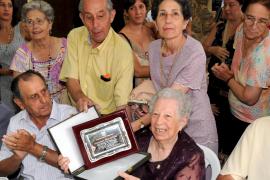La proclamación de l'Hereva y las  damas marca el inicio de las fiestas en Valldemossa