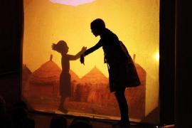 Sombras, proyecciones y ternura en Ariany con 'Little Awa'
