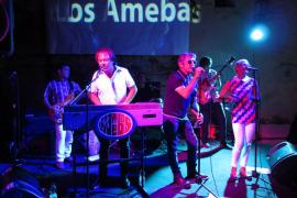 Los Amebas, un sexteto con sonido psicodélico