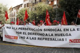 Trabajadores de la EMT se manifiestan contra la apertura de un expediente a un delegado de CCOO
