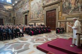 Papa Francisco: «Dios llora porque preferimos la guerra»