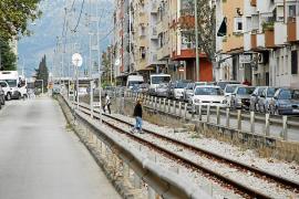 Vecinos de Son Oliva denuncian el peligro por la falta de pasos a nivel