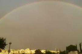Los vecinos de Palma despiertan bajo el arcoíris