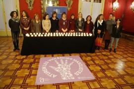 El Parlament recuerda a las víctimas de la violencia machista y pide soluciones
