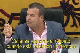 Un alcalde a una concejala de la oposición: «Guarde el respeto cuando habla un hombre»