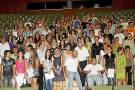 Casi 400 jóvenes de las Islas consiguen un contrato tras retomar sus estudios