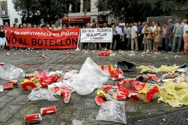 Los empresarios dejarán de protestar si la ordenanza del 'botellón' sale por unanimidad