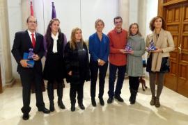 El juez Carlos Izquierdo Téllez y los IES de Felanitx  y Maria Àngels Cardona de Ciutadella, premios 'Meninas'